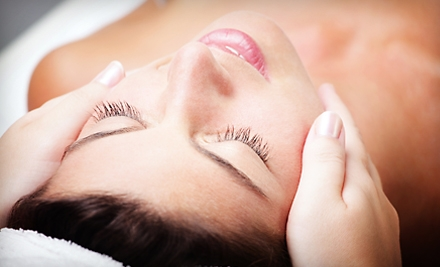 $35 for Facial at Oscar Giovanni Salon & Spa in Moreland Hills ($70 Value)