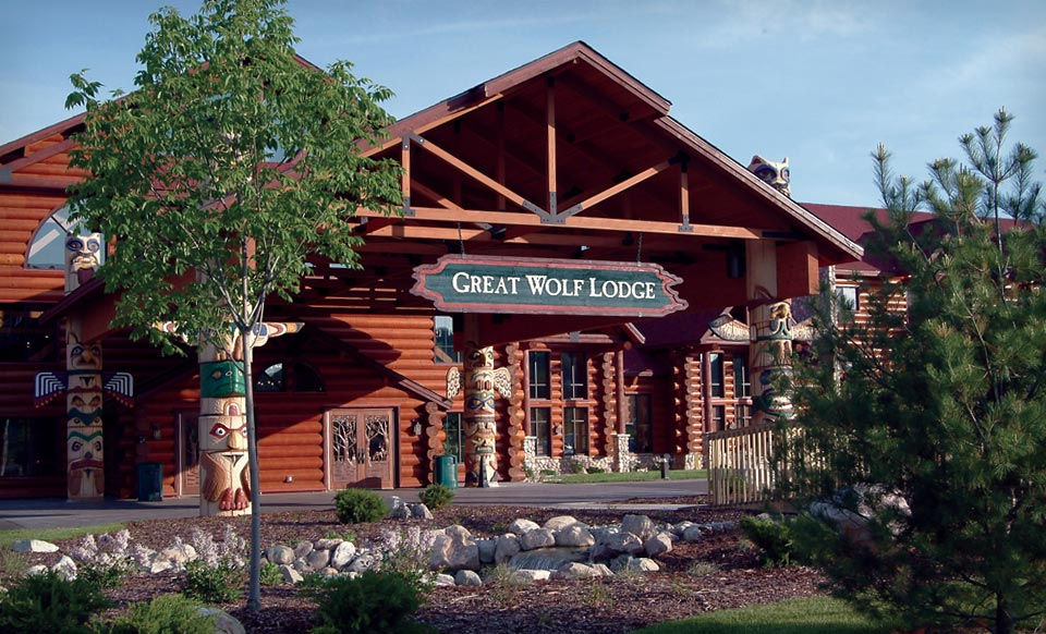 1-Night Stay for Six in a Majestic Bear or Loft Fireplace Suite Valid Sunday-Thursday